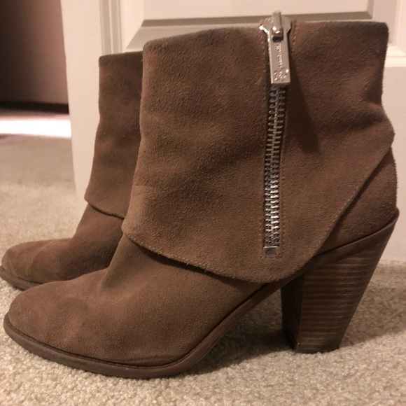 1c2c0bb1f89f Jessica Simpson Shoes - Jessica Simpson booties!